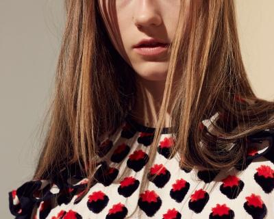 Правила Виктории Бекхэм: как носить ягодные принты-430x480
