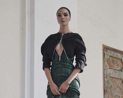 Рейв в Неаполе: круизная коллекция Givenchy-430x480