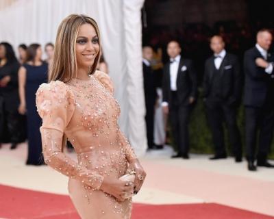Бейонсе рассказала о своем свадебном платье-430x480