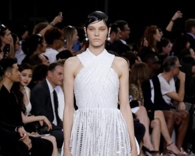 Платье богини: кутюрная коллекция Givenchy-430x480