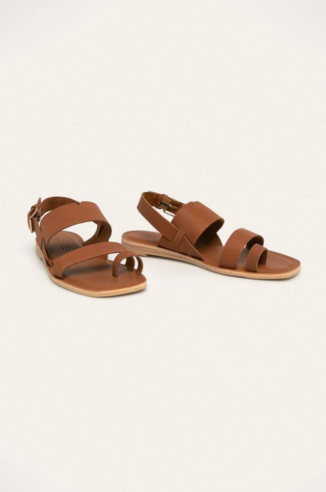 Выбор Маrie Claire: сандалии на плоском ходу-Фото 8