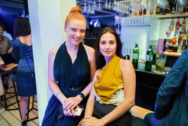 Анастасия Пиндеева с подругой