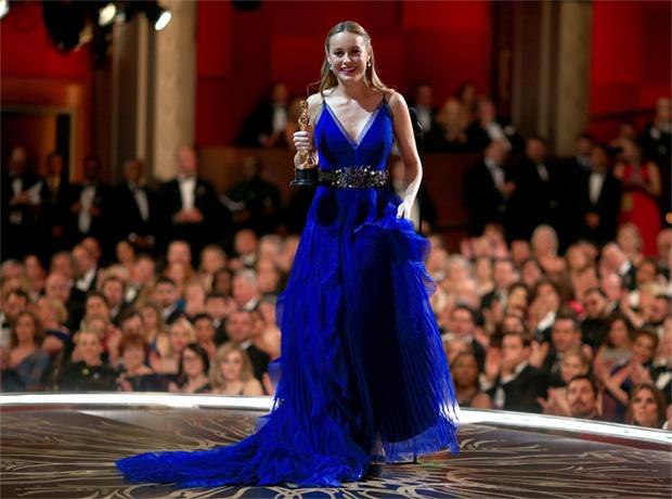 15 платьев: образы актрис, получивших «Оскар»-320x180