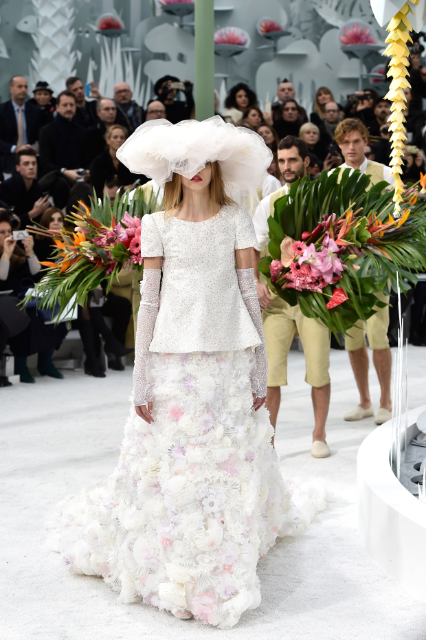 Chanel : Runway - Paris Fashion Week - Haute Couture S/S 2015