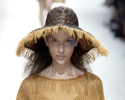 Шляпу надень: 5 модных вариантов на лето-430x480