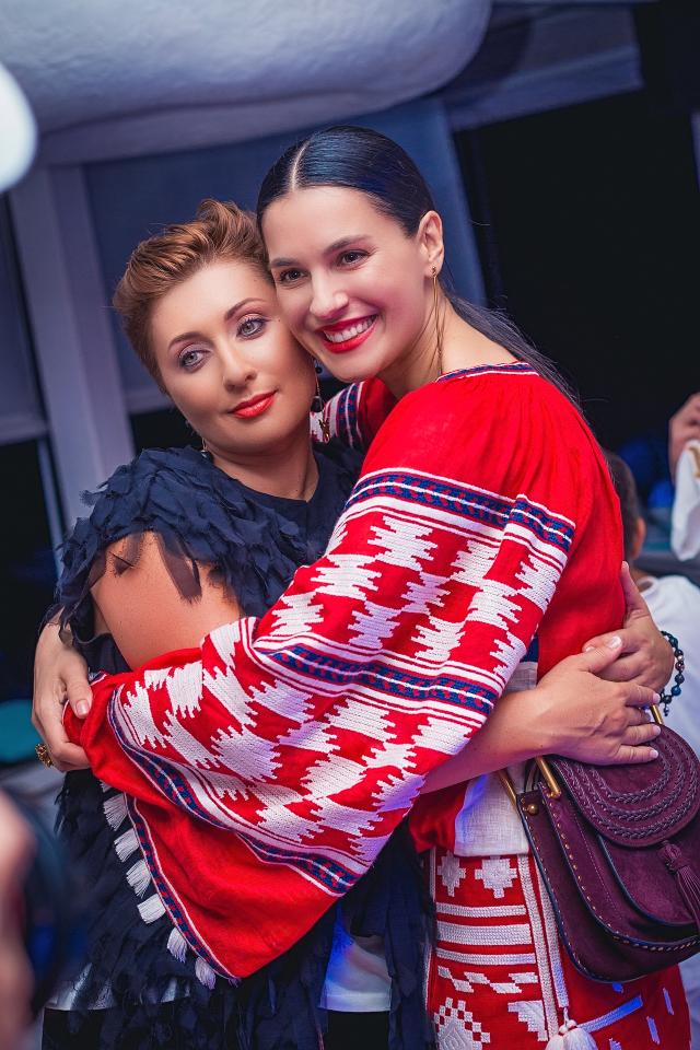 Виктория Тигипко, Маша Ефросинина