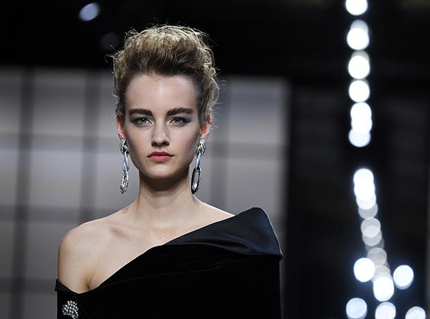 Неделя высокой моды: показ Giorgio Armani Prive haute couture-320x180