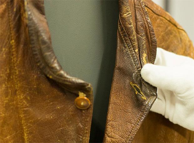 Levi's купили кожаную куртку Альберта Эйнштейна за $ 147 тыс.-320x180
