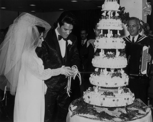 Elvis Ties The Knot