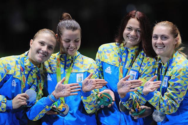 Ольга Харлан, Елена Кравацкая, Елена Воронина и Алина Комащук - фото