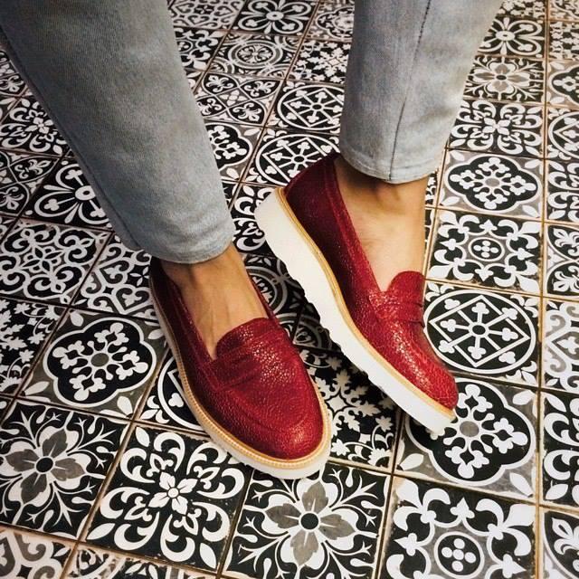 украинская марка обуви circul