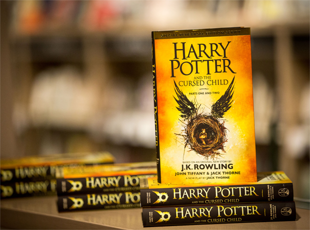 Новый «Гарри Поттер» стал самой продаваемой книгой десятилетия-320x180