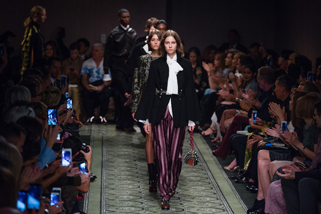 Burberry на Неделе моды в Лондоне