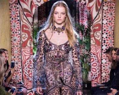 Неделя моды в Милане: Roberto Cavalli SS'17-430x480