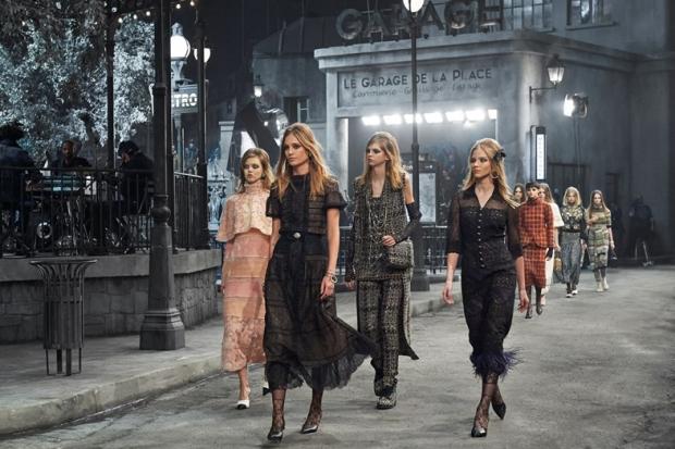 Chanel проведут показ Metiers d'Art в парижском Ritz-320x180