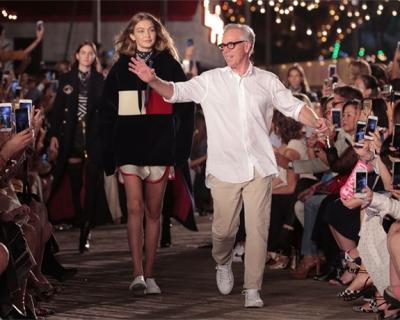 Tommy Hilfiger и Джиджи Хадид устроили шоу в Нью-Йорке-430x480