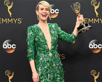 Emmy-2016: платья с красной дорожки-430x480