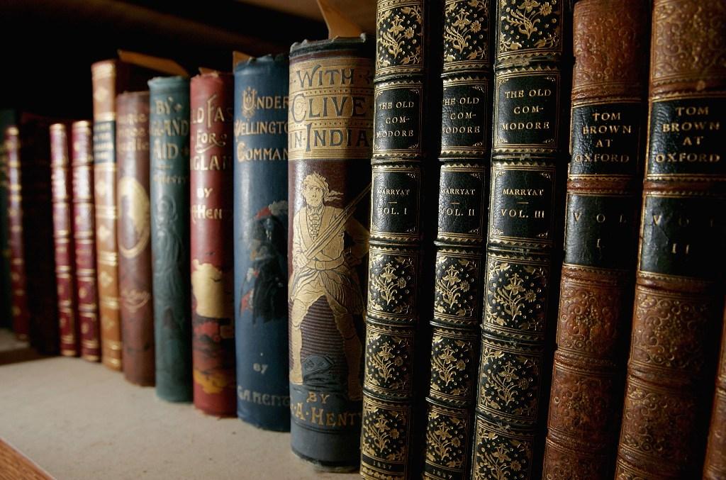 Страница за страницей: самые престижные литературные премии мира-320x180