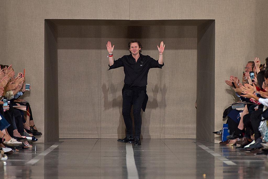 Показ Christopher Kane SS'17 на Лондонской Hеделе моды-320x180