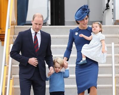 В Канаде запретили делать селфи с Кейт Миддлтон и принцем Уильямом-430x480