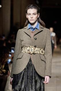 Накинь пиджак: мода на нестандартные жакеты