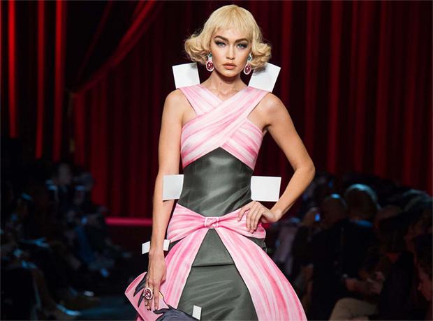Неделя моды в Милане: Moschino SS'17-320x180