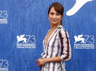 Венецианский кинофестиваль − 2016: лучшие образы с красной дорожки и не только