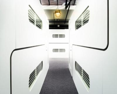 Оригинальный подход: 5 необычных капсульных отелей мира-430x480