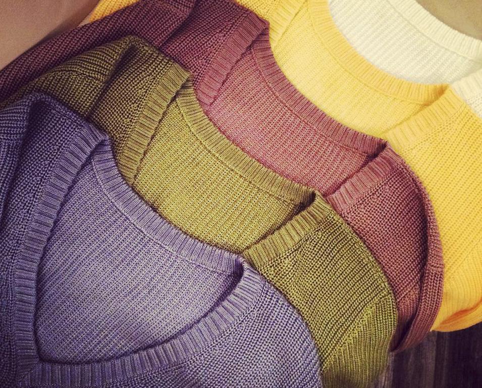 Тепло и уютно: 7 украинских брендов, которые создают одежду из трикотажа-320x180