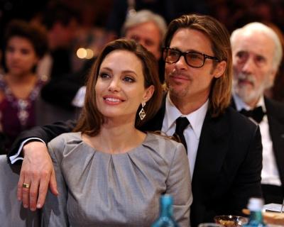 Анджелина Джоли и Брэд Питт заключили временное соглашение-430x480