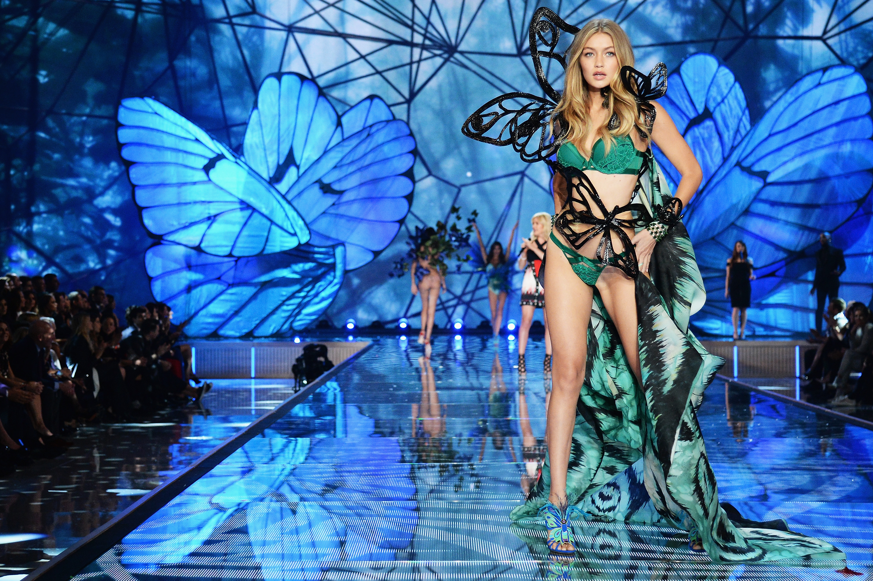 2015 Victoria's Secret Fashion Show - Alternative Views