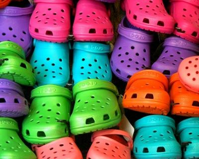История успеха: обувь Crocs-430x480