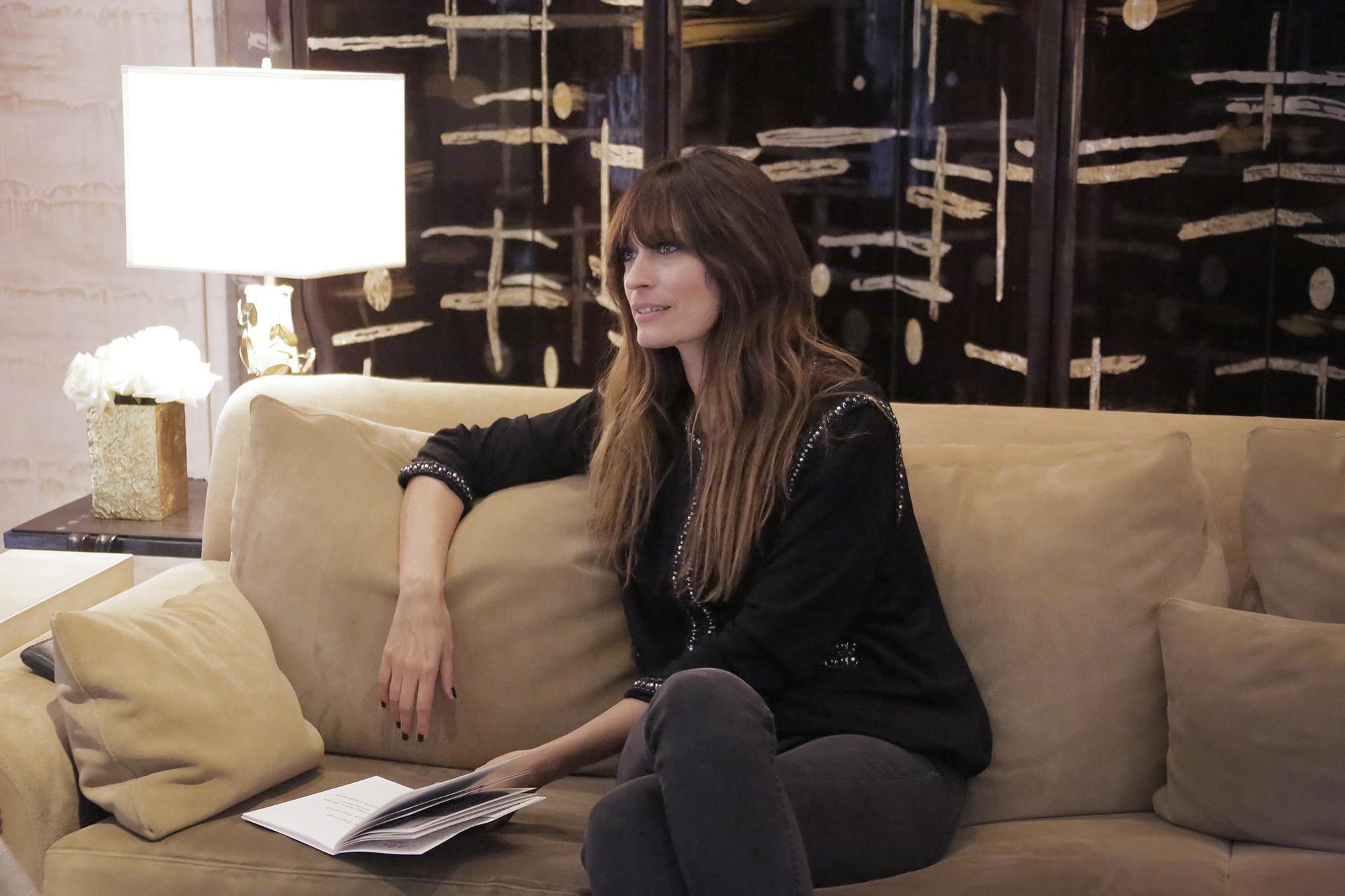 Парижский шик в деталях: Каролин де Мегрэ и Chanel запустили совместный блог-320x180