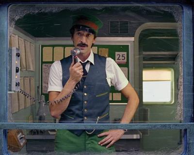 Уэс Андерсон снял рождественский мини-фильм для H&M-430x480