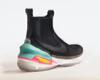 Риккардо Тиши создал футуристические кроссовки для Nike-430x480