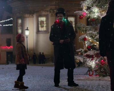 Трогательный Франкенштейн в рождественском ролике Apple-430x480