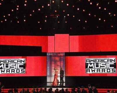 Эмоциональная речь Селены Гомес, наряды Джиджи Хадид и самые яркие выступления: все новости American Music Awards 2016-430x480