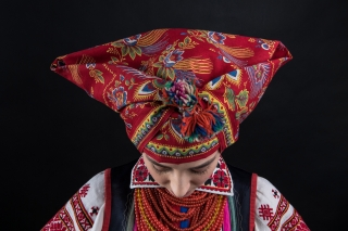 Проект «Щирі»: 16 звезд в украинских традиционных костюмах