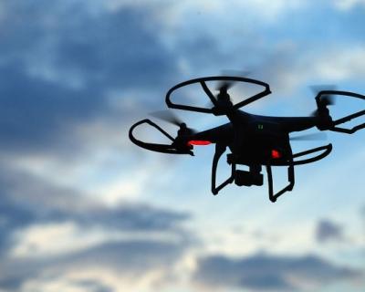 Amazon тестирует доставку дронами-430x480