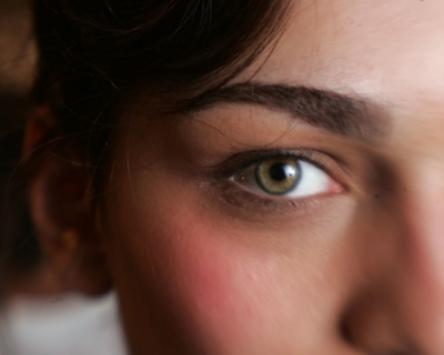 Ученые: у голубоглазых людей, на самом деле, карие глаза-430x480