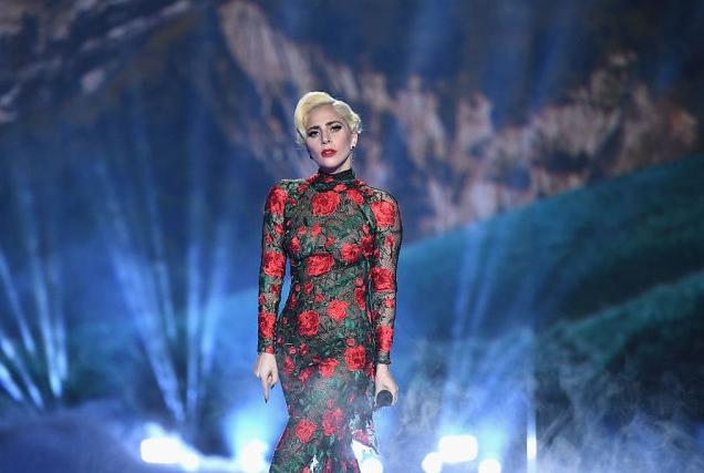 Чем Леди Гага удивила ангелов Victoria's Secret