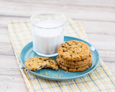 Все мифы о пользе молока-430x480