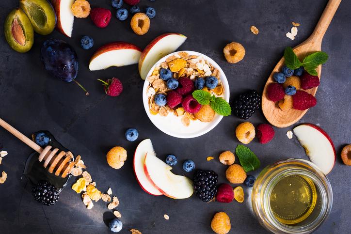 Топ-5 продуктов, которые помогут похудеть в области живота-320x180