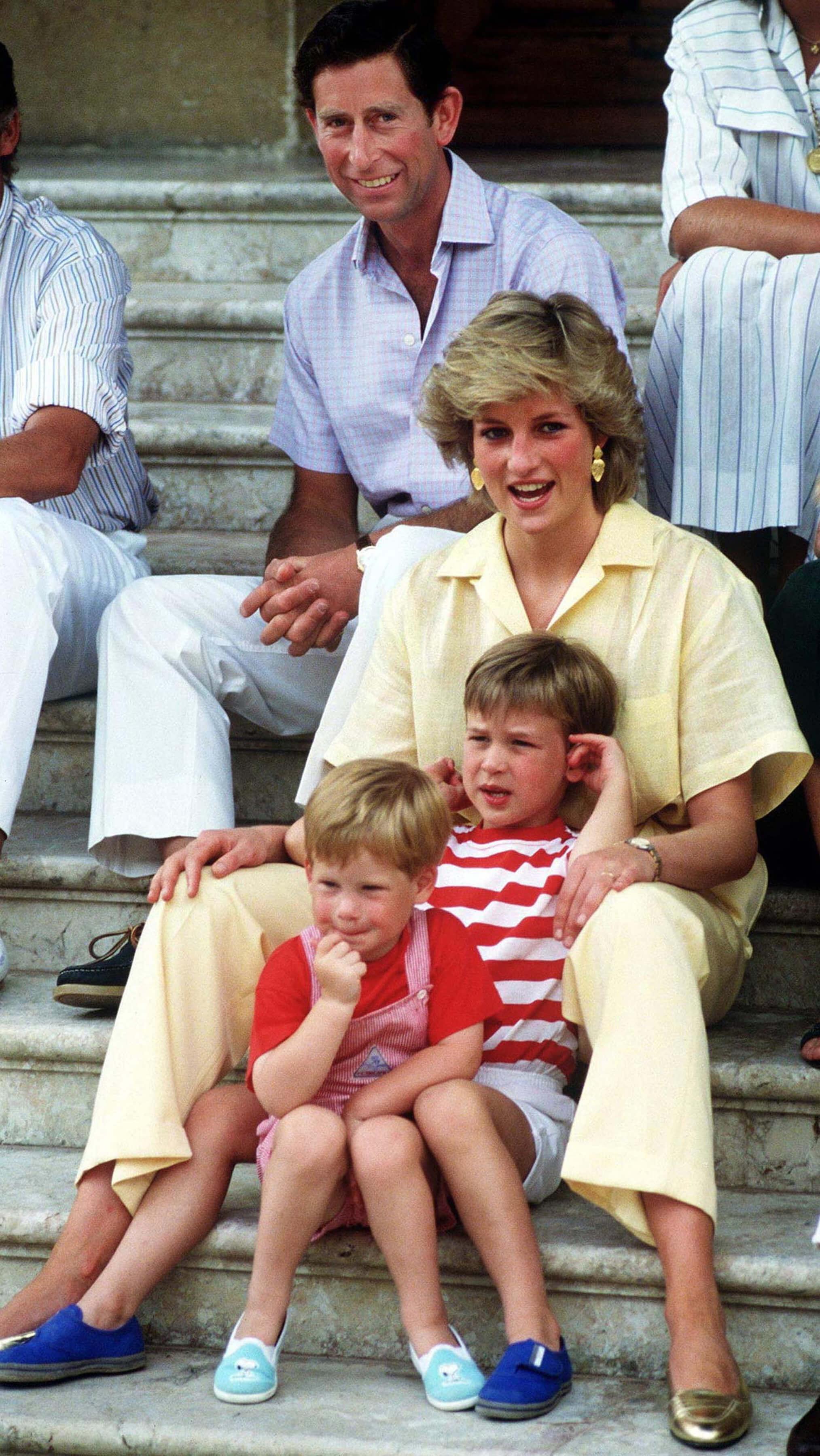Принц Гарри и принц Уильям рассказали, как пережили уход принцессы Дианы
