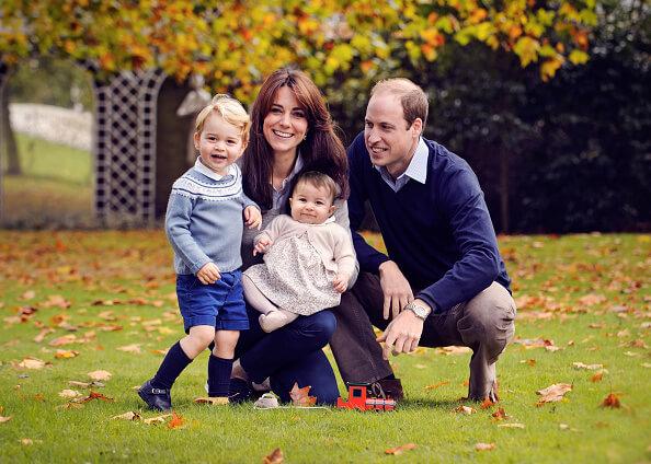 Кейт Миддлтон и принц Уильям выпустили новые рождественские открытки