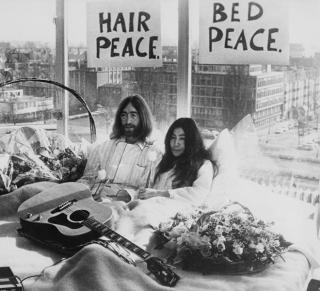 Об отношениях Джона Леннона и Йоко Оно снимут фильм