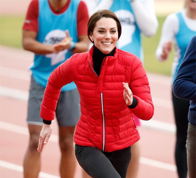 Кейт Миддлтон с принцами Уильямом и Гарри пробежала стометровку-320x180