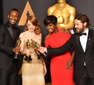 «Оскар-2017»: шутки про Трампа, парашюты со сладостями и конфуз, вошедший в историю