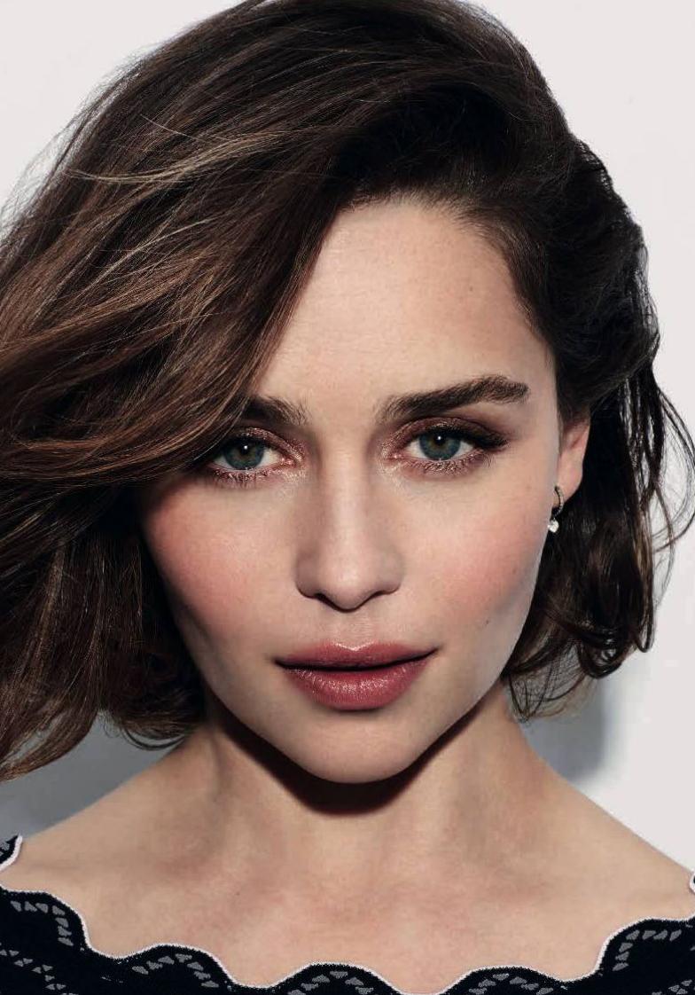 Эмилия Кларк — новое лицо аромата Dolce & Gabbana The One-320x180