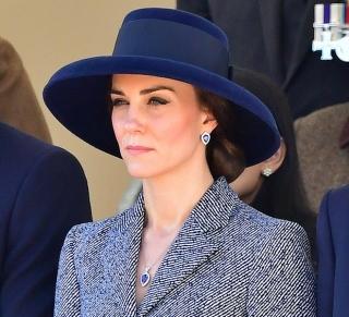 Образ дня  Кейт Миддлтон в платье-пальто Michael Kors · Мода · Образ дня  беременная  Бейонсе в платье Gucci 24d7211c08f